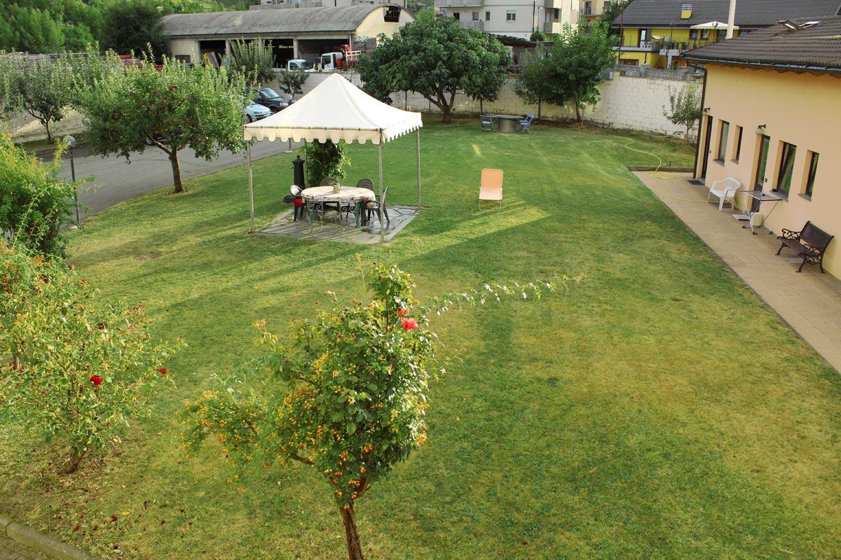 case-vacanza-aosta-dehor-area-giardino